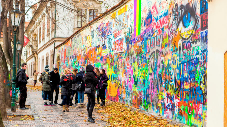 PRG_LENNON_WALL_0215_09_RGB-136-DPI-For-Web