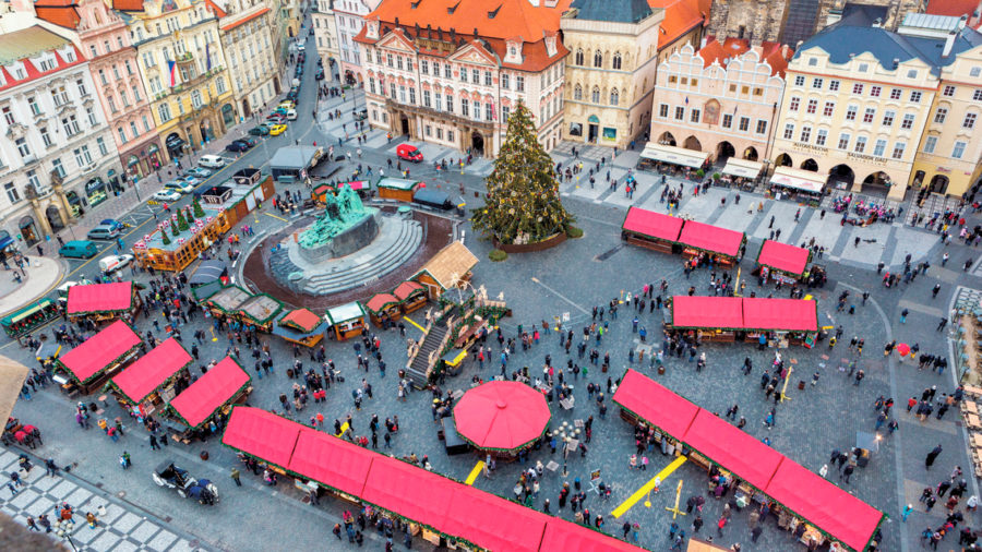 PRG_OLD_TOWN_SQUARE_0215_26_RGB-72-DPI-For-MSOffice