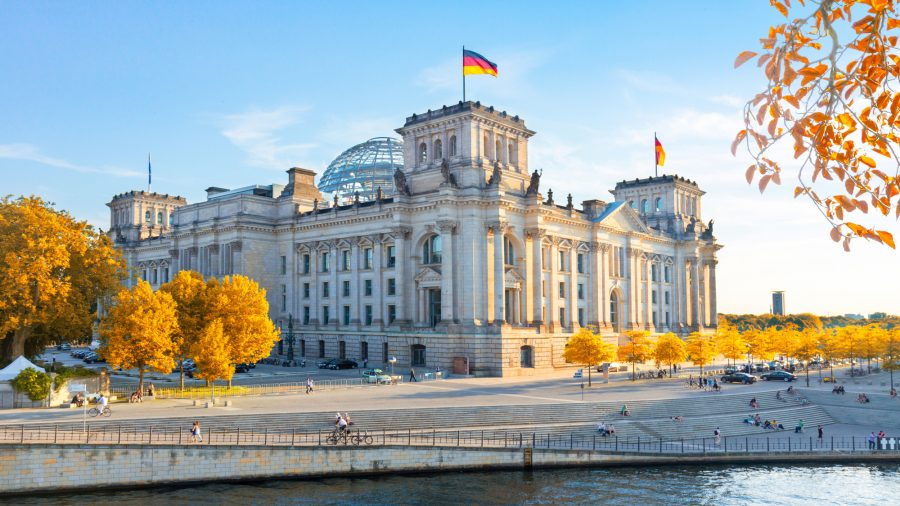 SXF_Reichstag_Building_1037521124_RFIS_0219