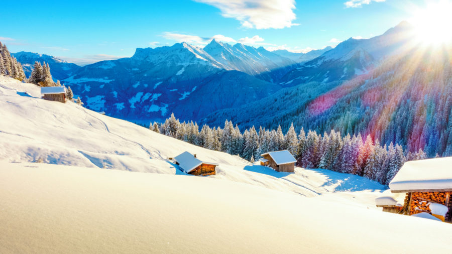Ski_hut_in_the_ski_area_of_Mayrhofen_531015275_Getty_RGB-136-DPI-For-Web