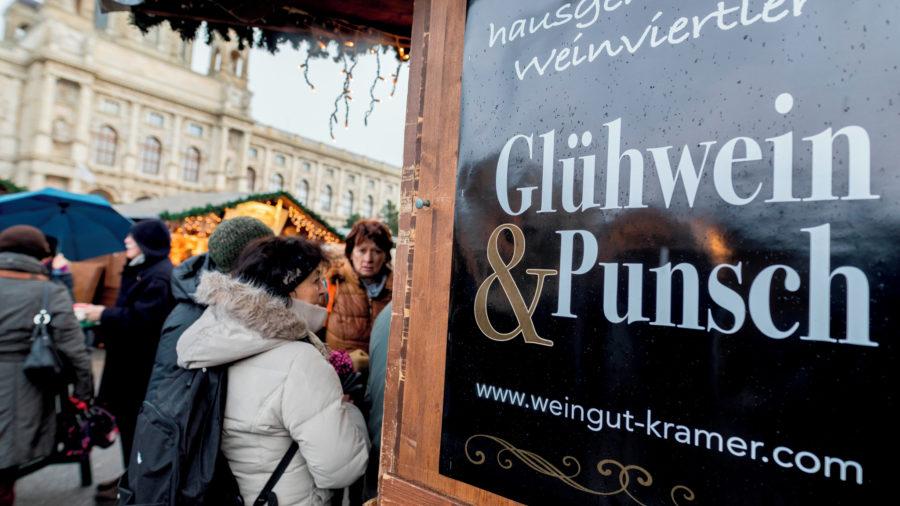 VIE_Christmas_Markets_1218_72_RGB-136-DPI-For-Web