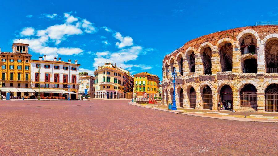 VRN_Arena_di_Verona_and_Piazza_Bra_920529924_Getty_RGB-136-DPI-For-Web