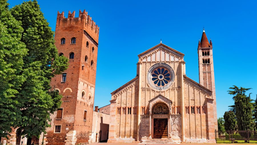 VRN_Verona_Basilica_of_San_Zeno_530414718_Getty_RGB-136-DPI-For-Web