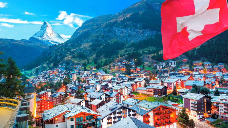 Zermatt_village_view_of_Matterhorn_486574518_Getty_RGB-72-DPI-For-MSOffice