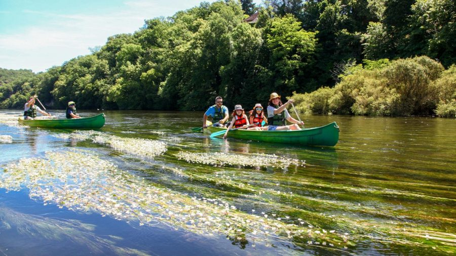 Canoeing in the Dordohne valley cdt24