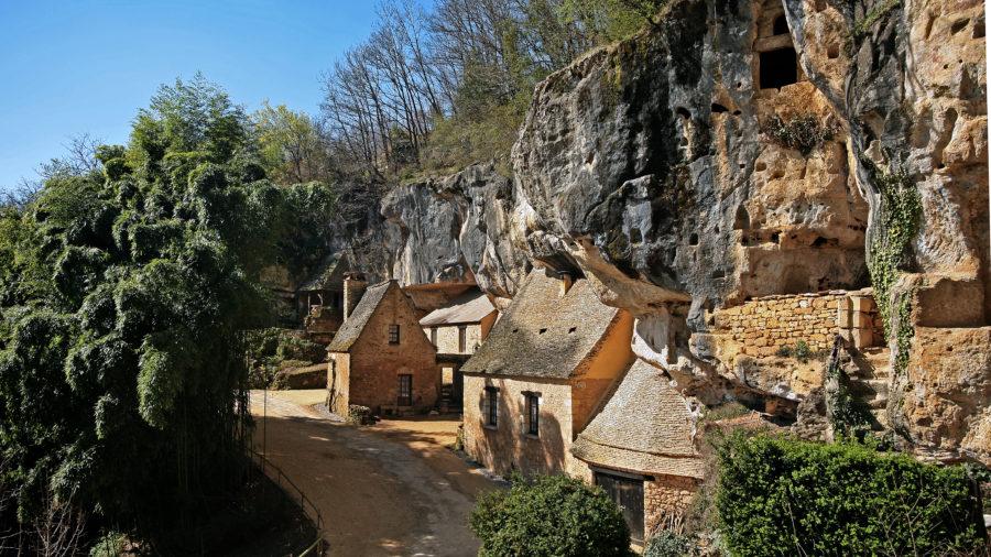 Grotte du sorcier vallée Vézère CP Grotte du Sorcier