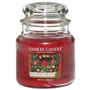 Yankee Candle Jar Red Apple Wreath Medium (1120698E)