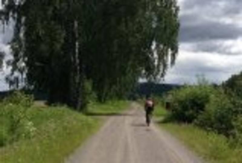 Syklist langs verken