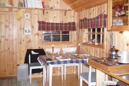 Slik ser det ut inne i hytta - Foto: A. Stave