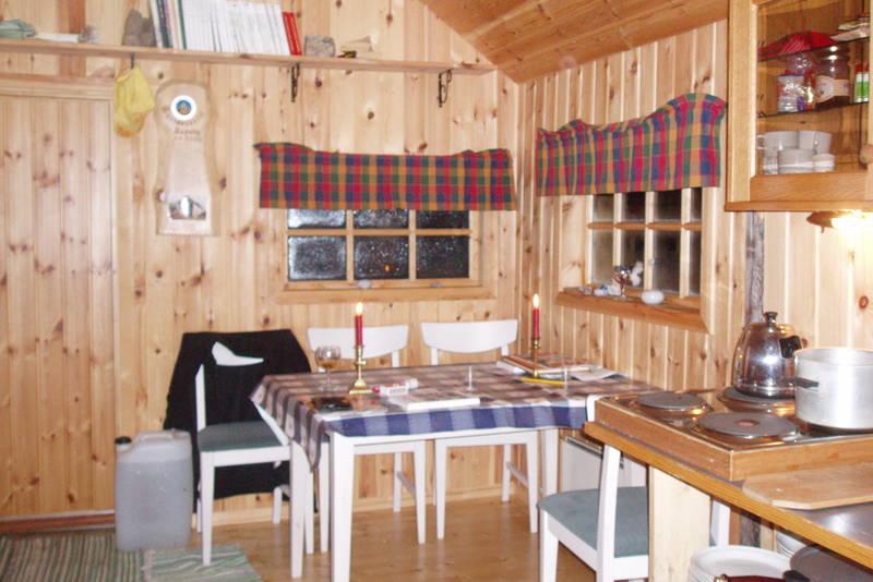 Slik ser det ut inne i hytta