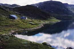 Heibergtunet Storevatn ligger vakkert til like ved Storevatnet -  Foto: Stavanger Turistforening