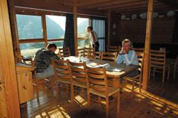 Morgenstund i oppholdsrommet - Foto: Stavanger Turistforening