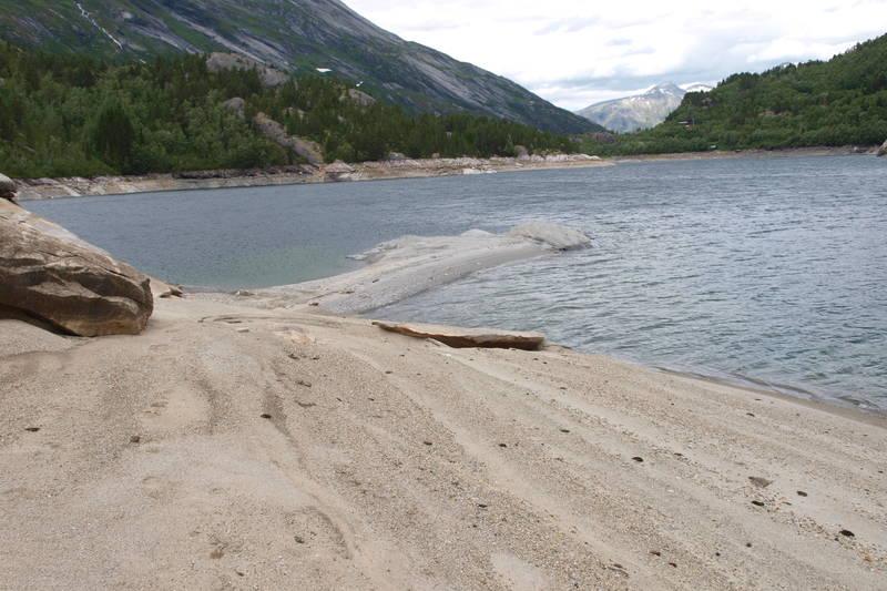 Denne strandperlen finner du en liten rotur fra hytta.