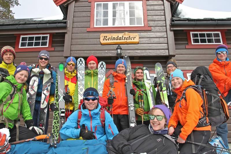 DNT ung Sunnmøre på toppturcamp. Påska 2014