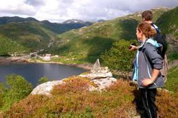 Utsikt mot Stordalen Fjellstove på vei ned fra Skavlebotn -  Foto: Arne Berg