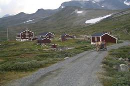 Grusveien inn til Glitterheim er perfekt for fjellsykling - Foto: DNT Oslo og Omegn