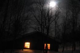 Fullmåne over Trygvebu - Foto: Ukjent
