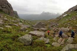 Ned fra Blåfjell - utsikt mot Midtbønipa -  Foto: Dag Eliassen