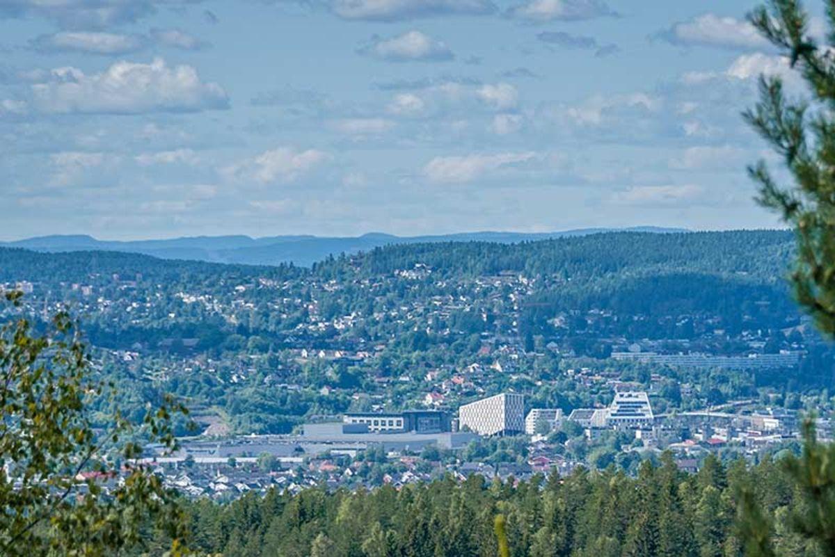 Utsikt mot Lillestrøm fra Veståsen