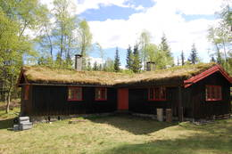 God plass i hytta og et hyggelig tun utenfor. -  Foto: Kari Merete Horne