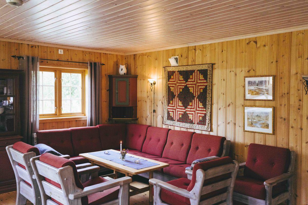 Peisestua i resepsjonsbygget på Reindalseter.