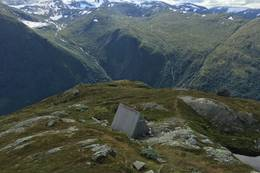 Hytta under toppen - Foto: Anne Cecilie Kapstad