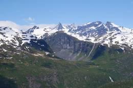 Toppen av Morkaskaret har fin utsikt mot Hurrungane og Store Skagastølstind - Foto: Katrine Clausen Fredheim