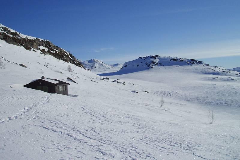 Stordalsbu ligger fint til på Hardangervidda.