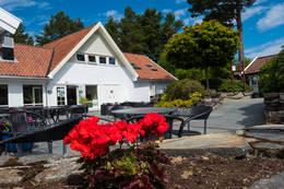 Like ved turløypa kan du stikke innom golfrestauranten. Her er det mulig å få seg både et måltid og en forfriskning.  - Foto: John Petter Nordbø