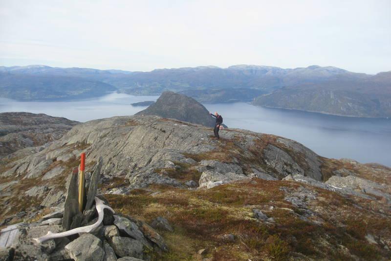 Utsikt mot Samlen og Hardangerfjorden