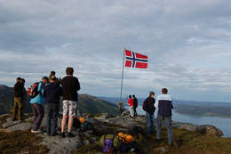 17. mai kl. 07:00 - Foto: Roald Årvik