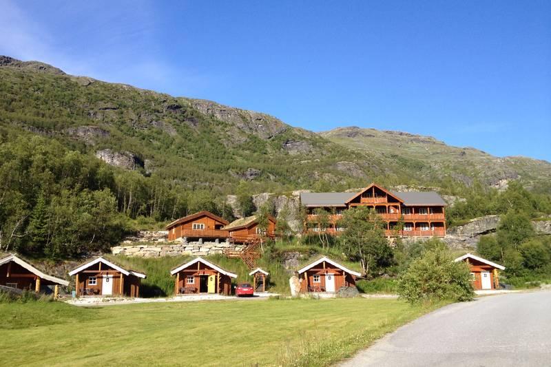 Hyttene og leilighetsbygget til Østerbø Fjellstove