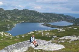 Utsikt mot Holmen - Foto: Arne Hjeltnes