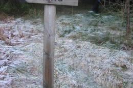 Her kan du ta av for å gå ned til Solheimsdalen - Foto: Ukjent