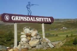 Kreativ skilting til Grimsdalshytta - Foto: Hilde Løken Magnussen