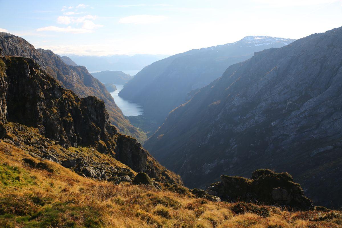 Utsikt mot Fyksesund og Hardangerfjorden