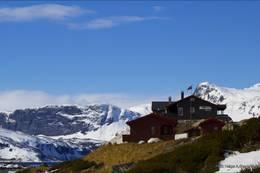 Vakkert beliggende på 1030 m.o.h. - Foto: