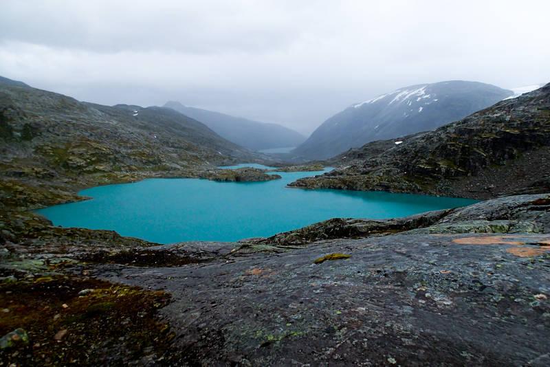 Ferdselsvegen over Kamperhamrane er en av de eldste ferdselsvegene i Norge.
