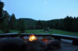 Kveldsstemning i gapahuken - Foto: Jan Kenneth Gussiås