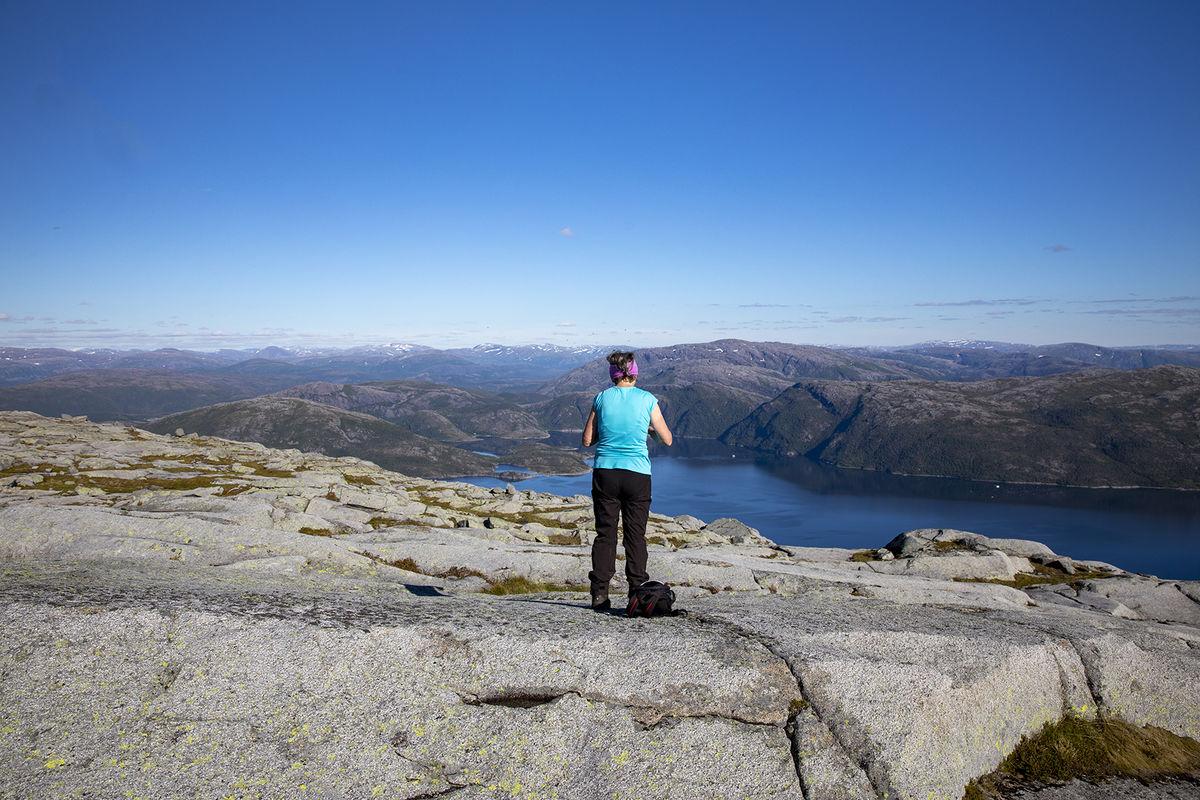 Utsikt fra oppen mot indre Ursfjord