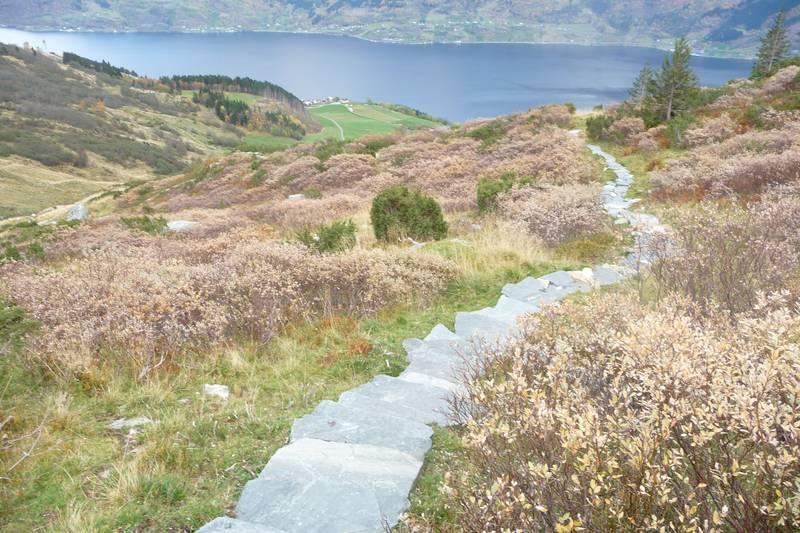 Stairway to heaven - utsikt over Reiseter og Sørfjorden