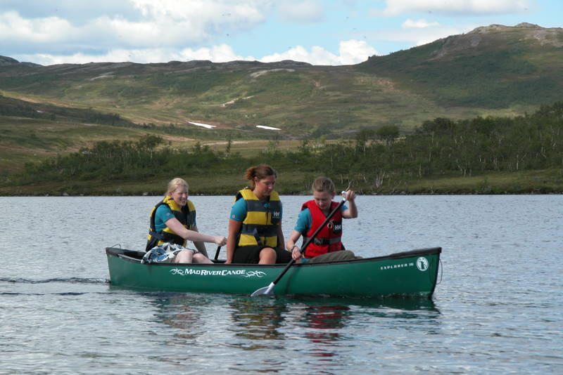På Jøldaleshytta er det fire kanoer som gjester kan bruke.