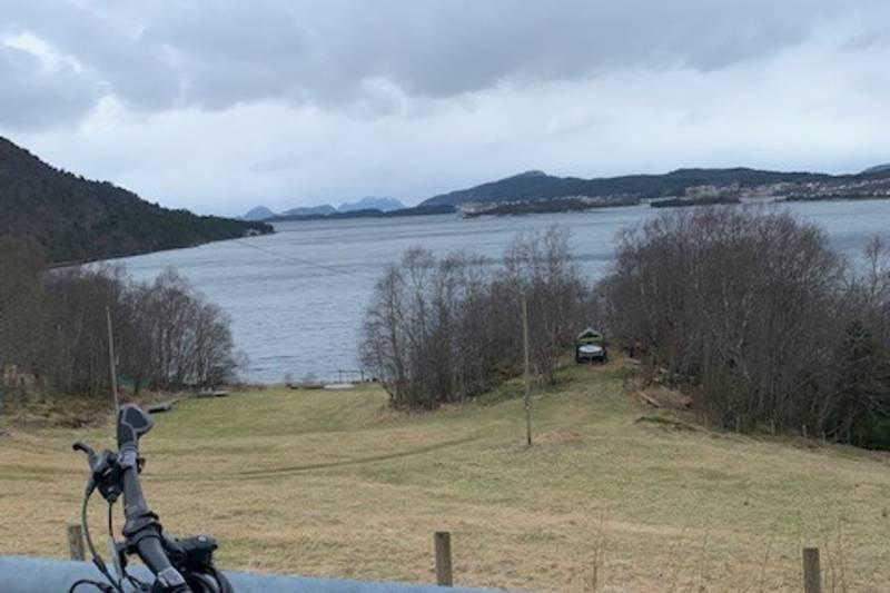 Fint kulturlandskap rundt Ellingsøyfjorden