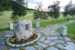 29. april 1978 ble Rissa rammet av det største kvikkleireskredet i Norge på 1900-tallet. En person omkom og store deler av grenda Fissa raste ut i innsjøen Botnen. - Foto: Asgeir Våg
