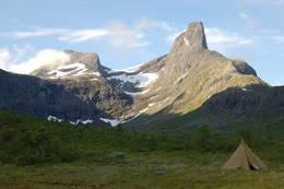 Romsdalshorn i bakgrunnen - Foto: Ukjent