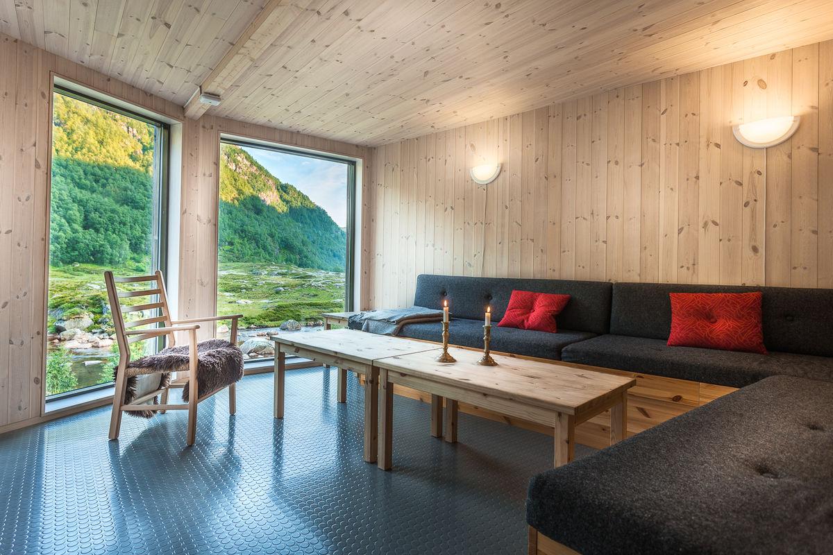 Trivelig sofa med god utsikt.