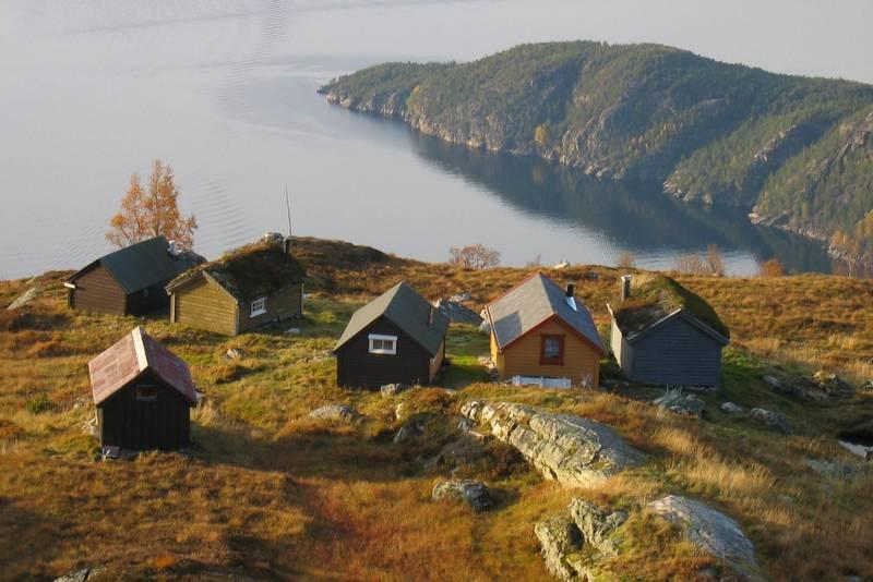 Ned mot Fjellstøl