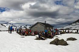 Fra åpningen av hytta på Brunstadkollen ved Storevatnet -  Foto: Per Magne Drotninghaug