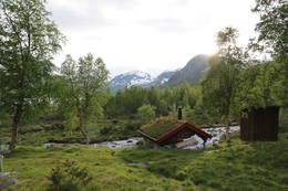 Brønnhuset på Vakkerstøylen der det er madrasser til hund og eier -  Foto: Øyvind Hunnes