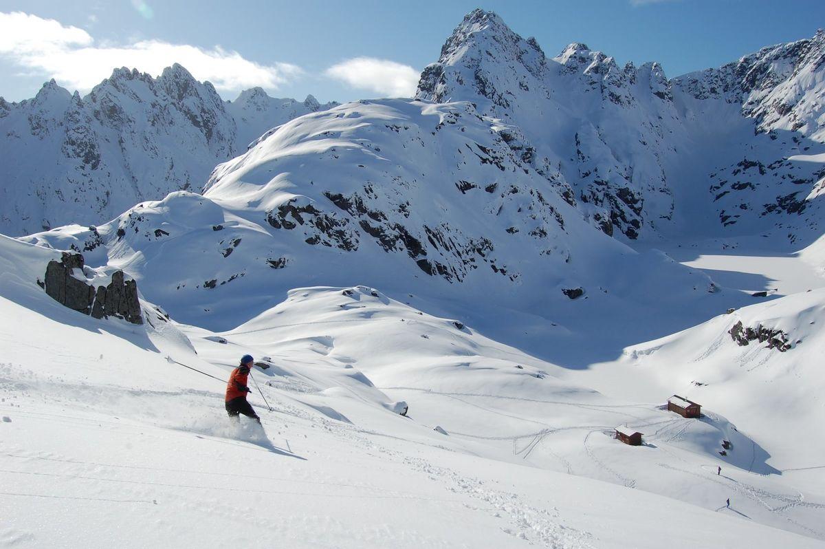 På vintertur til Trollfjordhytta